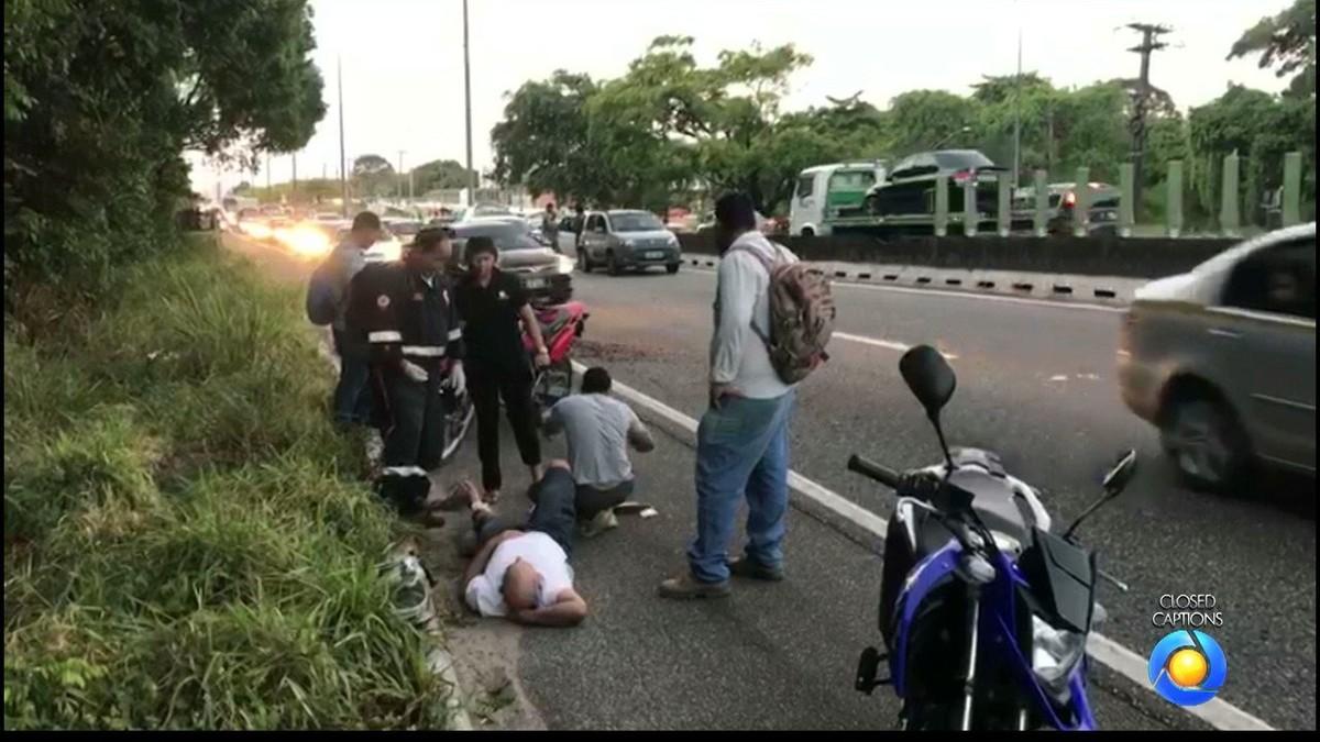 Motociclista fica ferido após acidente na BR-230, em João Pessoa