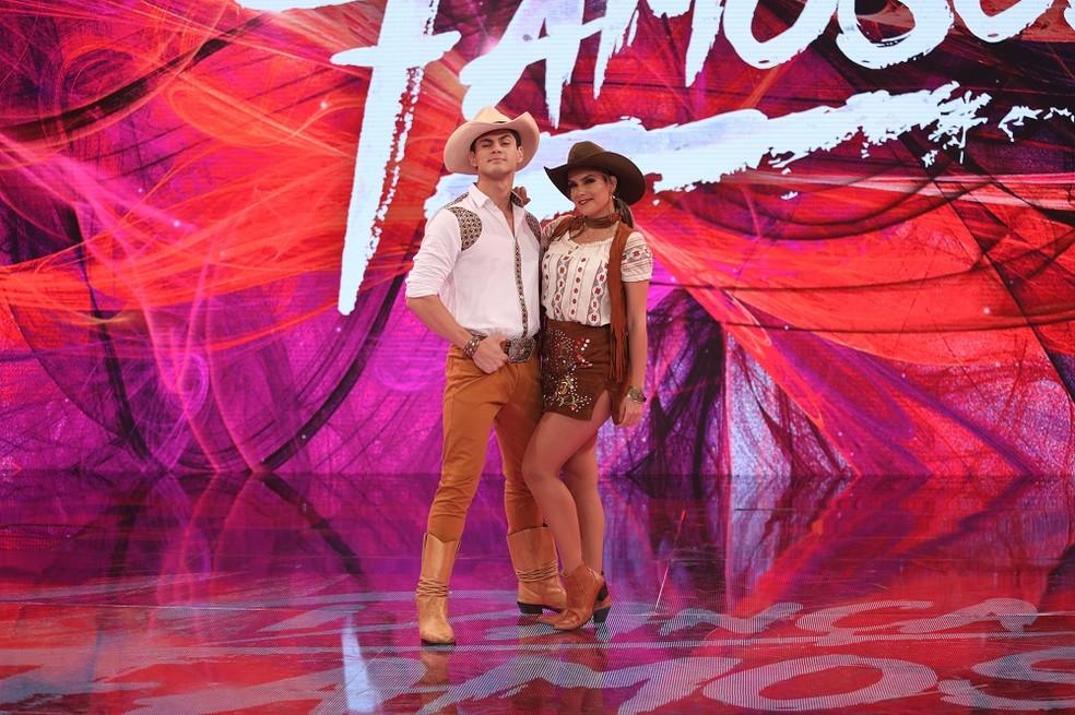 Lucas Veloso ao lado da bailarina Nathália Melo (Foto: TV Globo)
