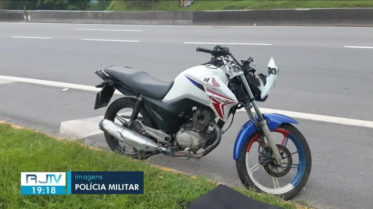 Motociclista morre depois de acidente ao tentar fugir da PM na Via Dutra