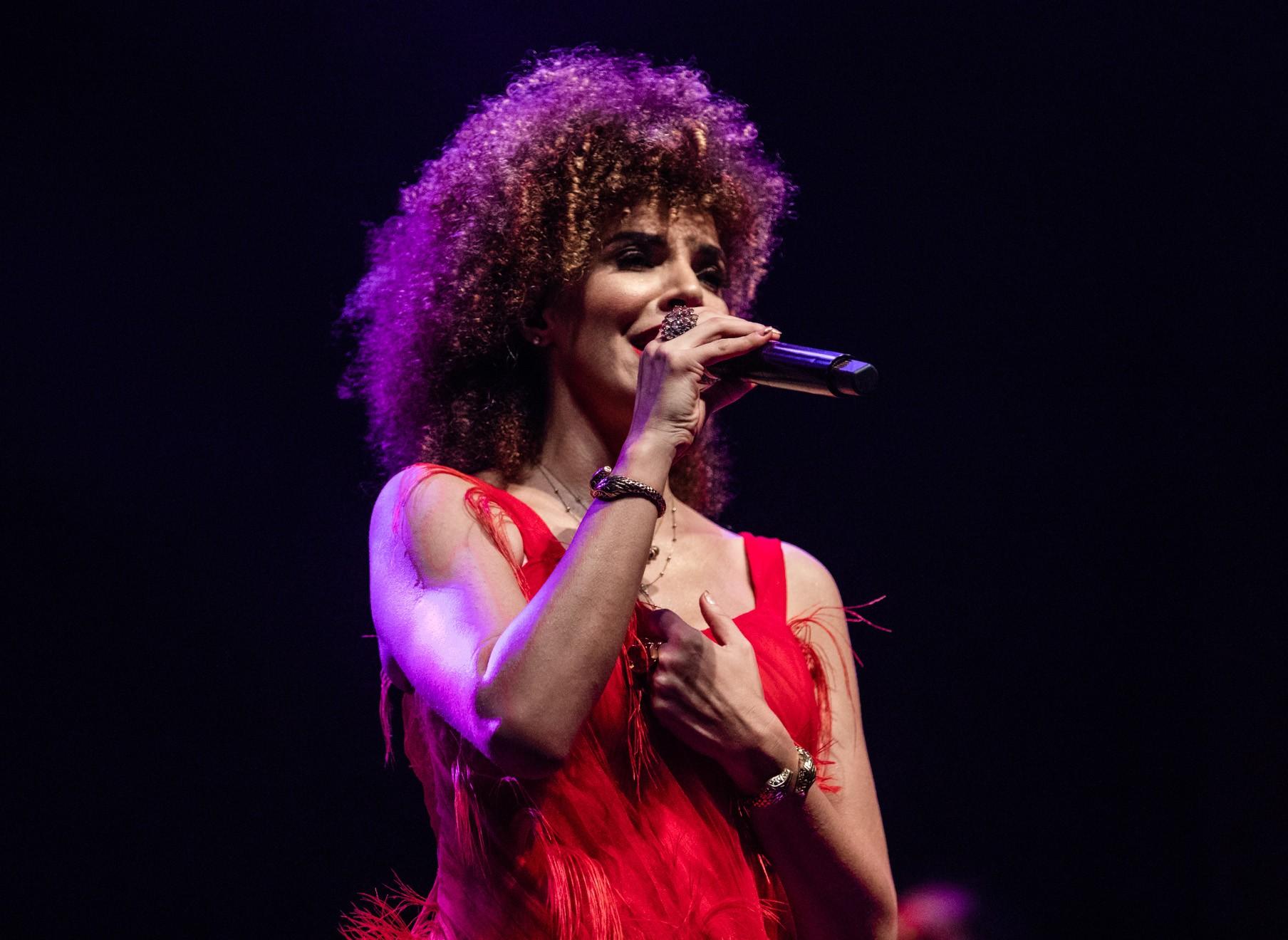 Vanessa da Mata refaz 'Boa reza' no último single duplo com números de show gravado no Rio