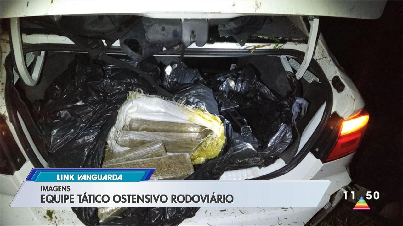 Homem é preso com 200 tabletes de maconha após acidente com carro em ribanceira na SP-125