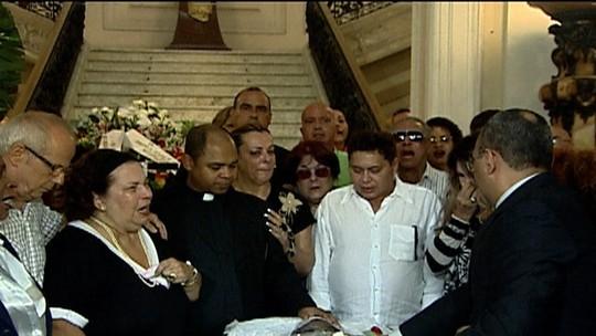 Corpo de Emílio Santiago será sepultado nesta quinta (21)