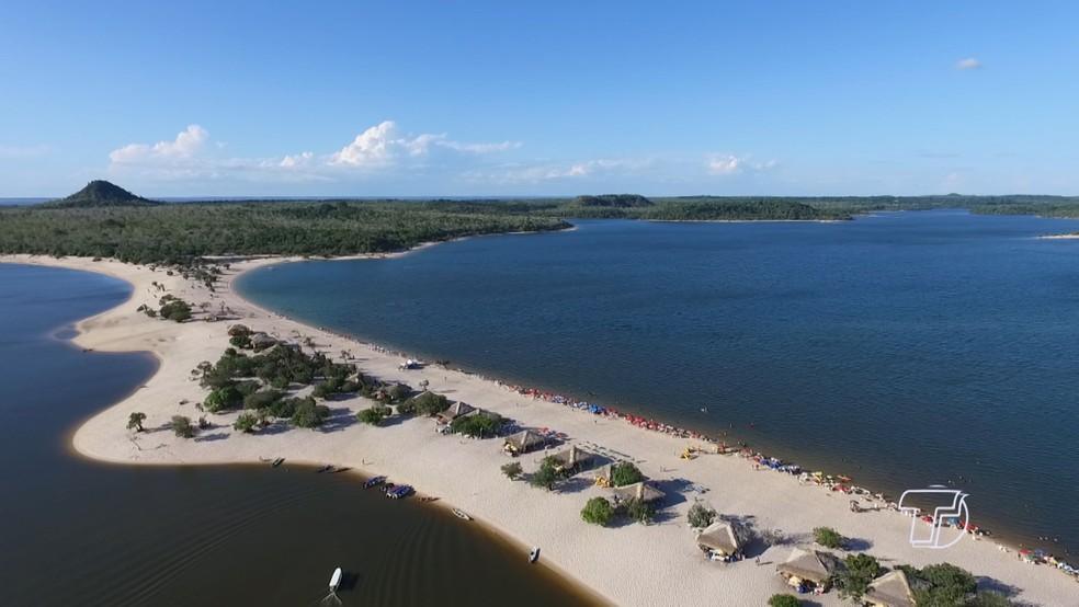 Praias de areia branquinha em Alter do Chão surgem no verão amazônico — Foto: Reprodução/TV Tapajós