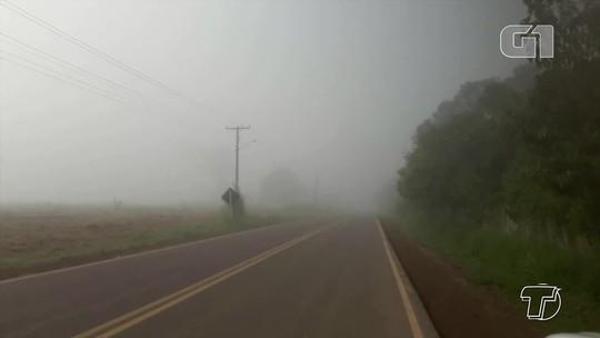 Forte nevoeiro causa baixa visibilidade nas rodovias e requer atenção de motoristas, no Pará