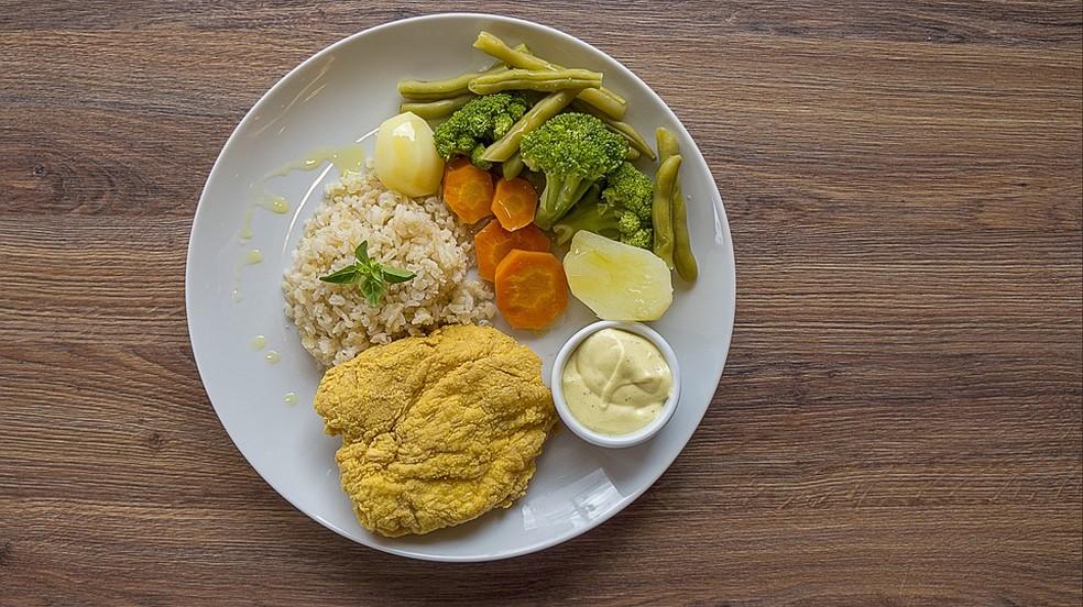 Um flexitariano não depende de carne ou peixe, mas ainda come ocasionalmente esses produtos — Foto: Pixabay/Divulgação