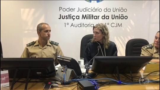 Mulher diz que militares negaram ajuda a músico fuzilado no Rio