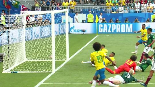 Brasil vence o México na batalha de Samara e está nas quartas de final