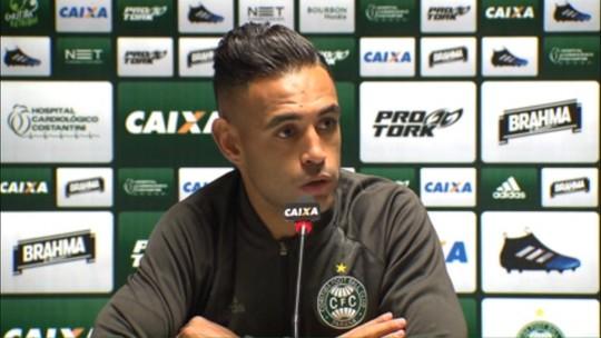 """Werley comemora placar no Atletiba, mas avisa: """"Não tem nada decidido"""""""
