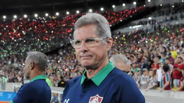 Oswaldo de Oliveira estreou nesta quinta-feira pelo Fluminense