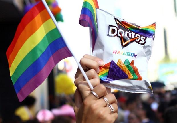 Doritos Rainbow, criado no mês da parada LGBT (Foto: Reprodução/ Instagram/ Doritos)