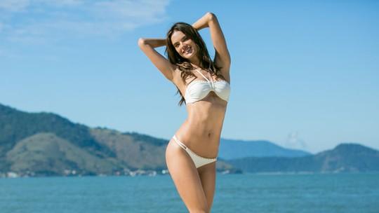 Alessandra Ambrosio revela cardápio para a barriga chapada