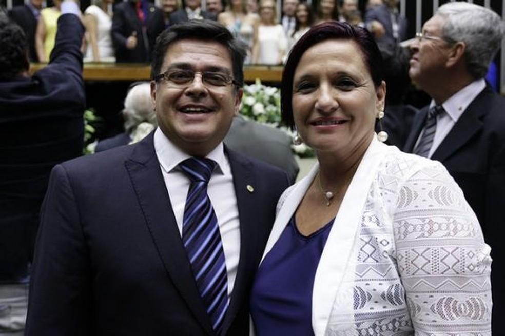 Deputado e esposa Pará de Minas (Foto: Divulgação/Assessoria)