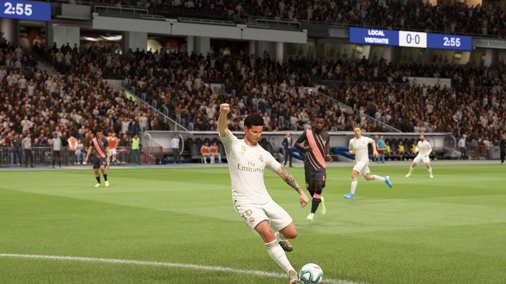 James Rodriguez é um dos melhores meias de criação no jogo — Foto: Reprodução/André Magalhães