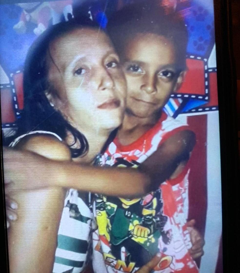 Mãe e filho foram encontrados mortos dentro de loteamento em Porto Velho. — Foto: Arquivo pessoal