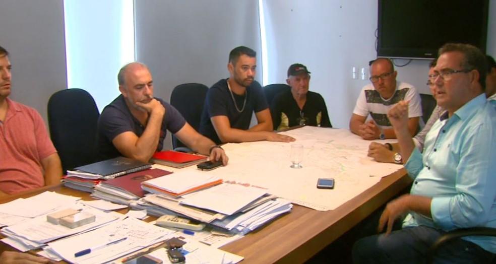 Prefeitura de São Carlos e Sindicato dos motoristas se reuniram nesta quarta (Foto: Reprodução/ EPTV)