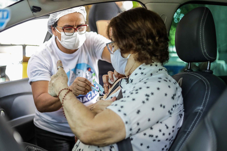 Jaboatão abre agendamento de vacinação contra Covid para maiores de 74 anos, e Paulista, de 75 anos