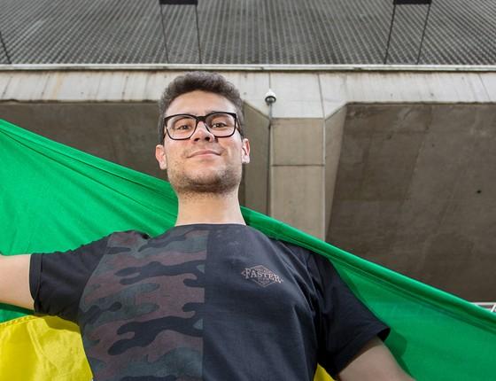 """Smith Hays diz que o principal problema do país é a violência e que, por isso, votará em Bolsonaro. """"Sou favorável à punição severa para quem comete crime"""" (Foto: ZÉ MOREAU)"""