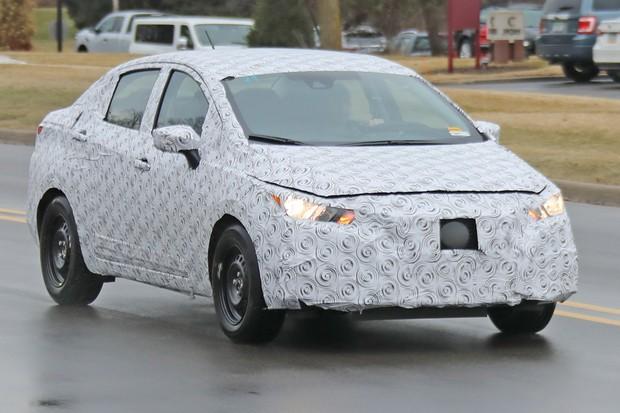 Flagra: Nissan Versa 2021 (Foto: Automedia)