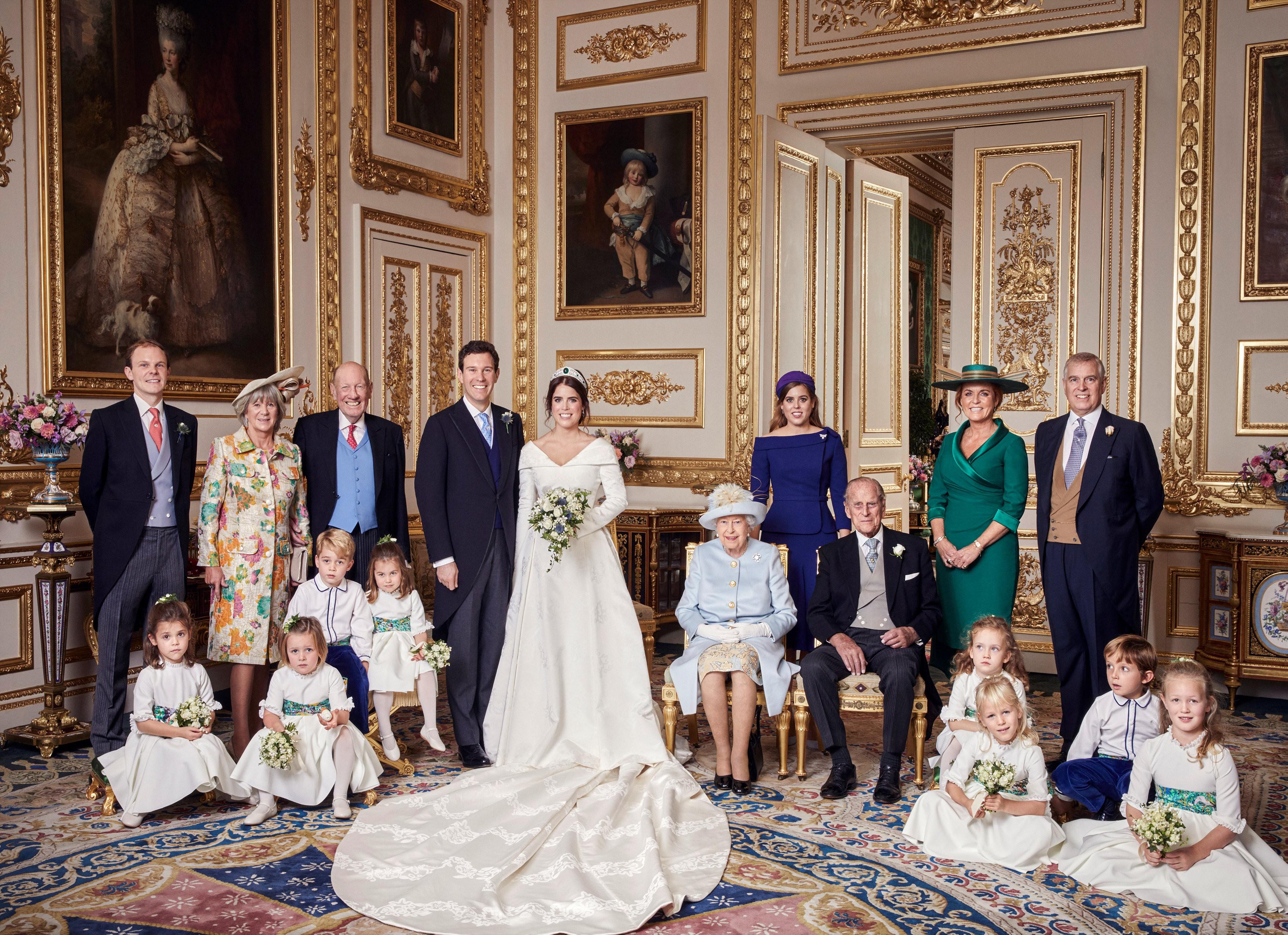 Casamento real: veja as fotos oficiais da princesa Eugenie, o marido Jack Brooksbank e família
