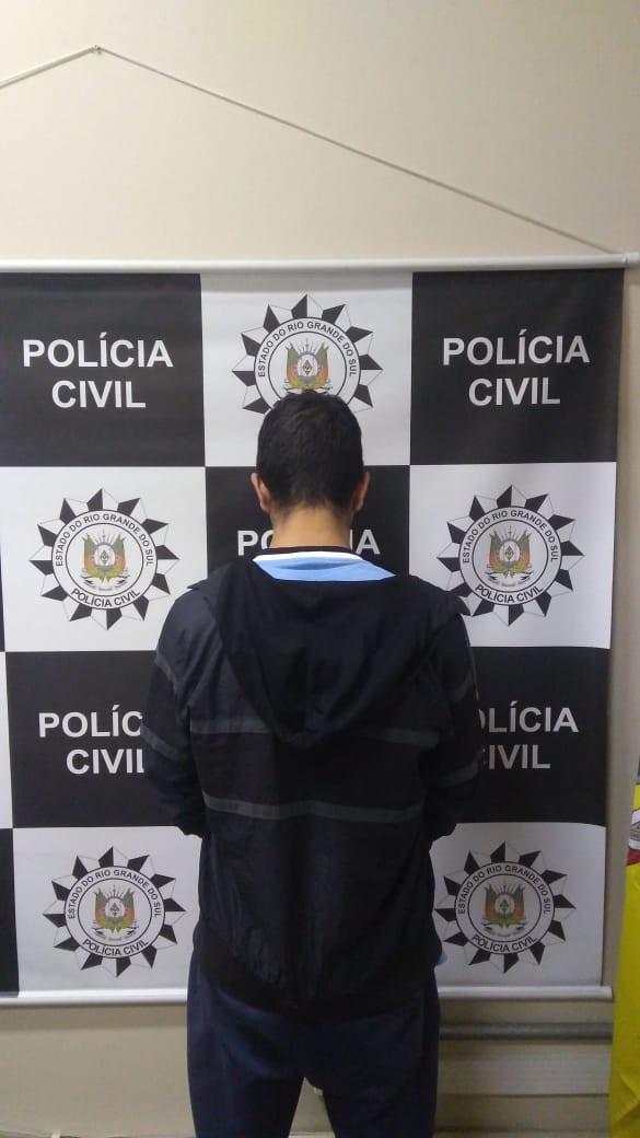 Justiça aceita denúncia por homicídio doloso e feminicídio contra suspeito de matar ex em Porto Alegre