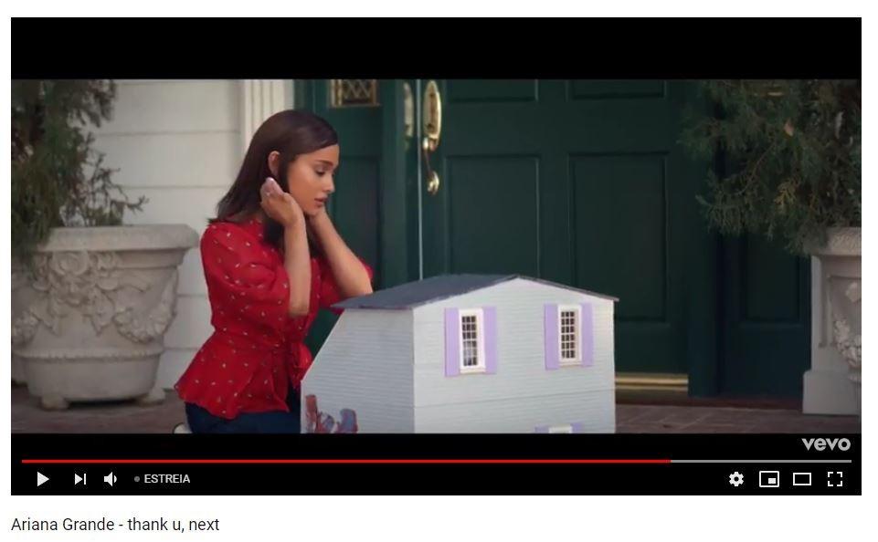 """Ariana Grande em """"Thank You, Next"""" (Foto: Reprodução)"""