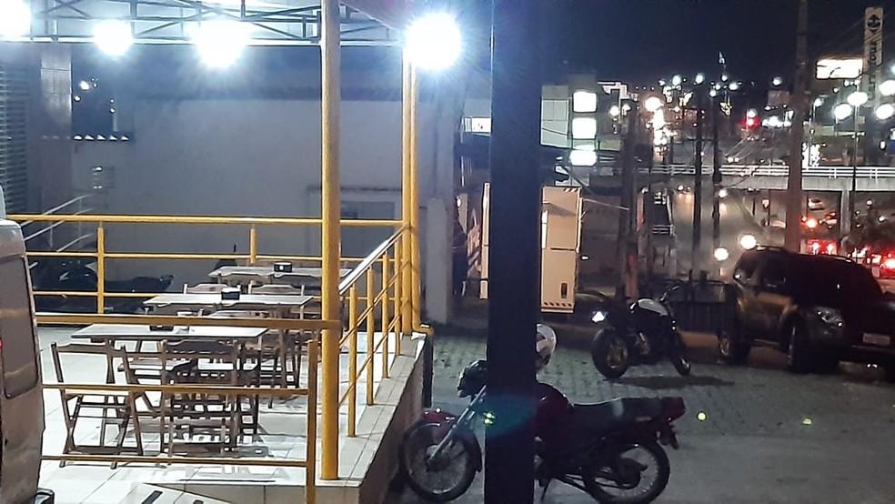 Pizzaria foi alvo de assaltantes na tarde desta segunda-feira (3) na Zona Norte de Natal — Foto: Sérgio Henrique Santos/Inter TV Cabugi