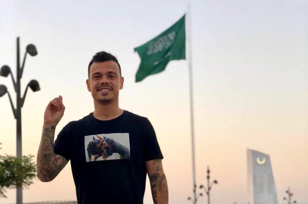 Bernardo se diz totalmente adaptado na Arábia Saudita — Foto: Arquivo Pessoal/Bernardo