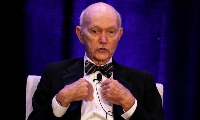 Michael Collins em uma cerimônia pelos 50 anos da chegada à Lua, na Flórida