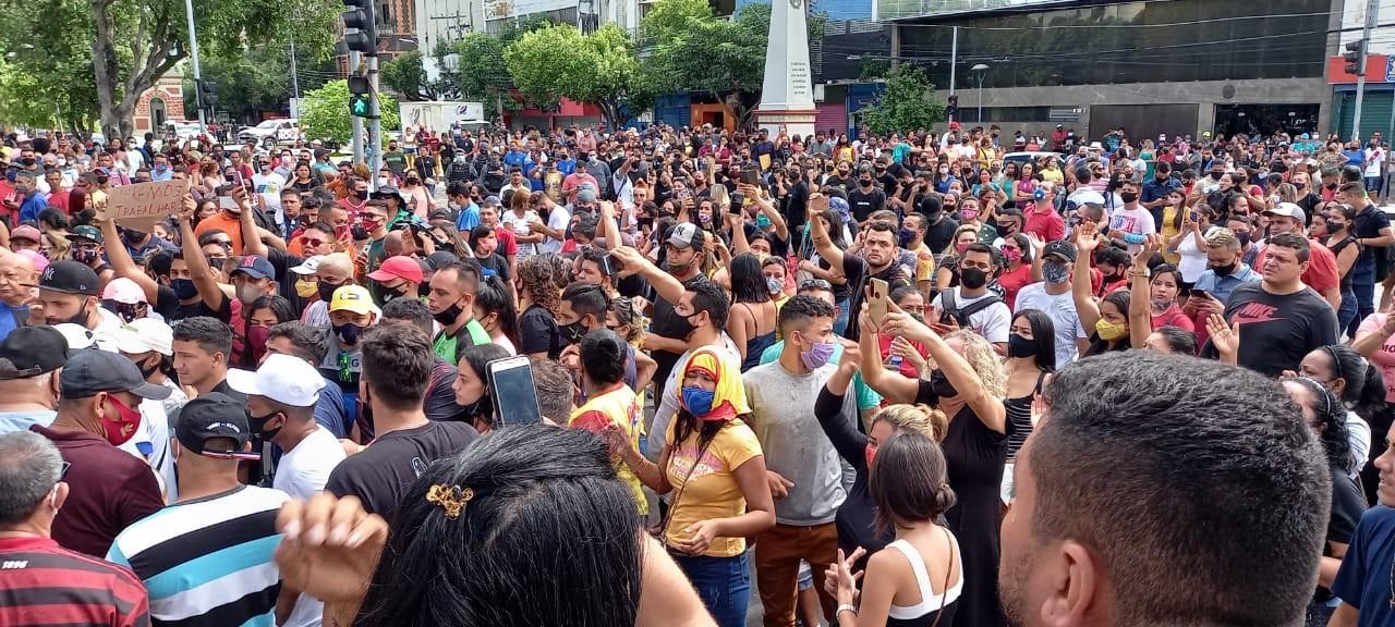 Governador do AM diz que manifestações geraram mais danos do que comércio aberto
