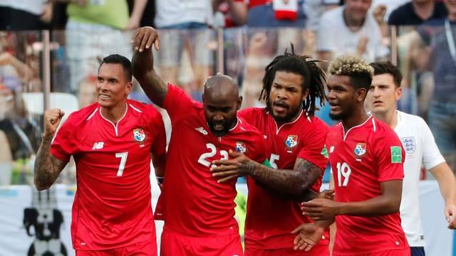 Baloy comemora o gol do Panamá contra a Inglaterra