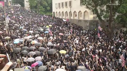 Manifestantes pró-democracia voltaram às ruas de Hong Kong
