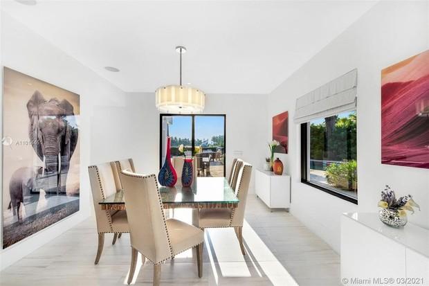 Veja como é a mansão que Jennifer Lopez e Ben Affleck curtem a dois (Foto: Divulgação)
