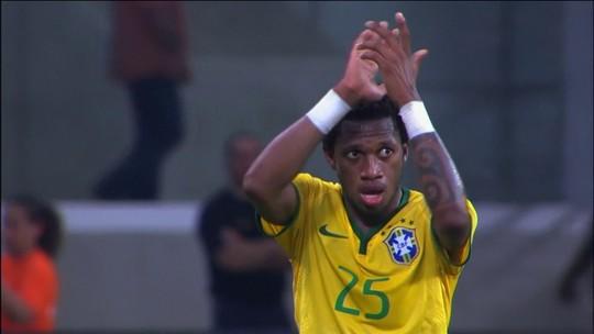 Em alta, Fred espera definir futuro antes da Copa: ''Para não prejudicar a cabeça''