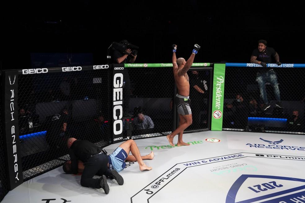 Renan comemoraa vitória mais expressiva da carreira — Foto: Divulgação