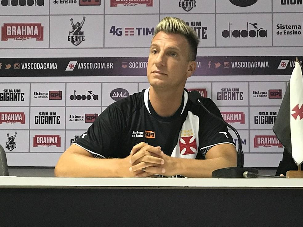Maxi López é apresentado no Vasco (Foto: Giba Perez)