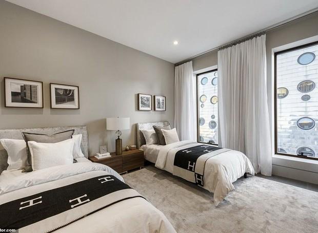 Os cinco quartos da mansão contam com vista para a cidade de Nova York (Foto: Realtor/ Reprodução)