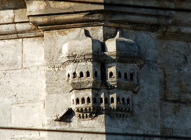 Os ornamentos das grandes construções eram passados para os palácios de pássaros, que, hoje, são obras de arte (Foto: Caner Cangül)