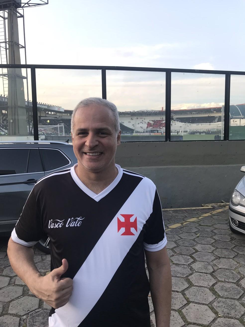 Carlos Leão, novo VP de finanças, em São Januário — Foto: Reprodução/Twitter Carlos Leão