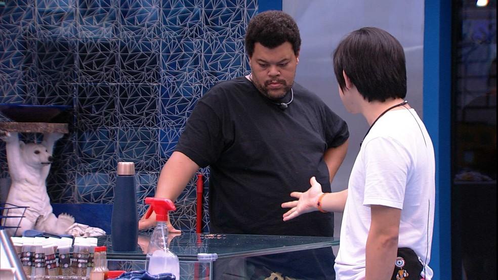 Babu questiona se sisters seguem votando em Lucas — Foto: Globo
