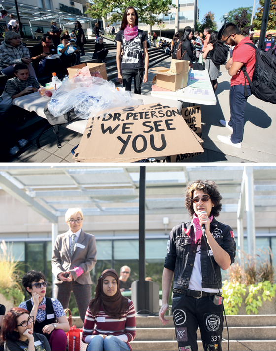 """Cassandra Williams e Wesley Williams, ativistas transexuais, participam de protestos contra Peterson em universidade. Grupos se revoltam contra posturas do psicólogo, que se recusa a tratar pessoas trans por pronomes neutros no lugar de  """"ele"""" ou """"ela""""   (Foto: Vince Talotta/Getty Images)"""