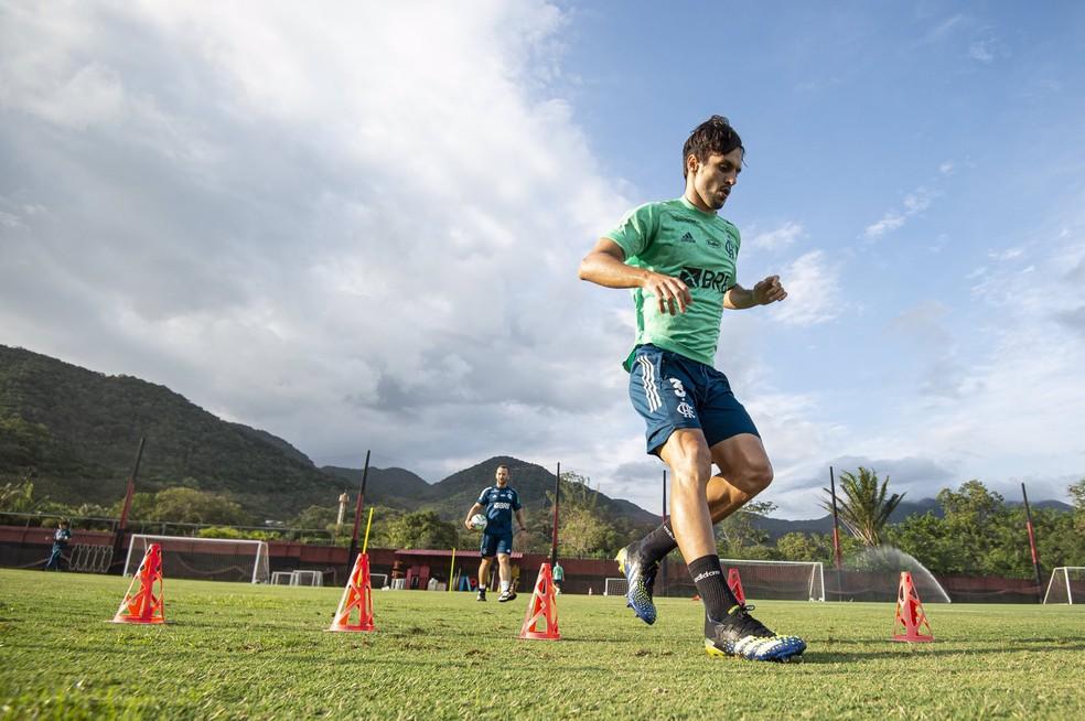 Rodrigo Caio está recuperado de lesão muscular na coxa — Foto: Alexandre Vidal / CRF