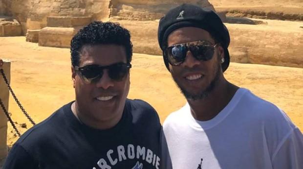 Ronaldinho Gaúcho e Assis tiveram seus passaportes apreendidos (Foto: Reprodução/Redes sociais)
