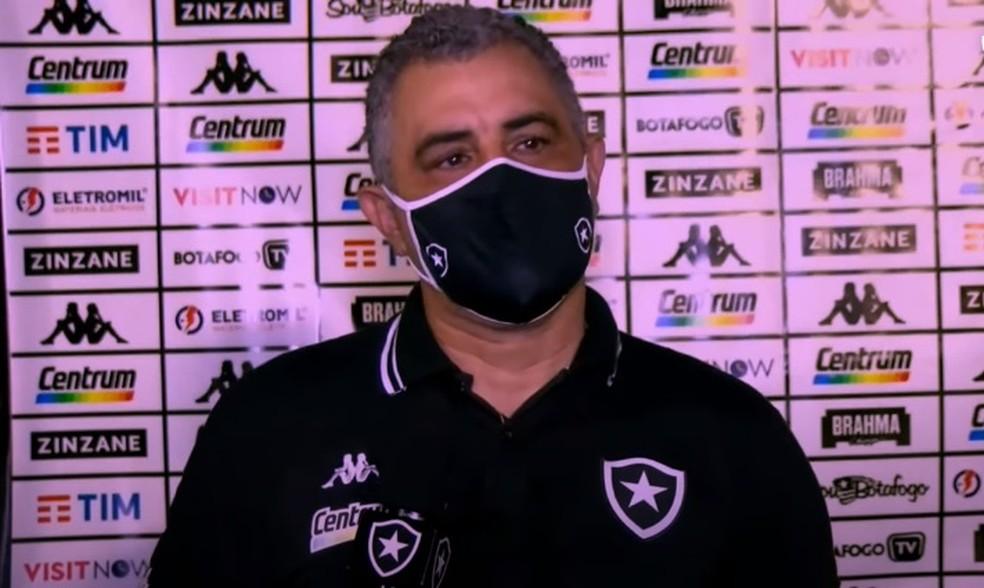 Treinador defendeu trabalho — Foto: Reprodução/Botafogo TV