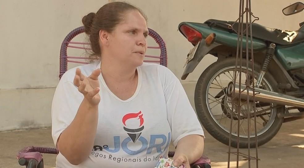 Elizângela amamentou a criança quando foi resgatada (Foto: Reprodução/TV TEM)