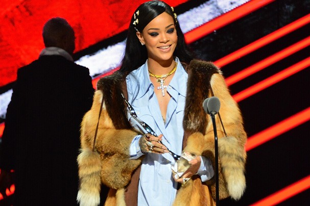 Rihanna na premiação Black Girls Rock (Foto: Getty Images)