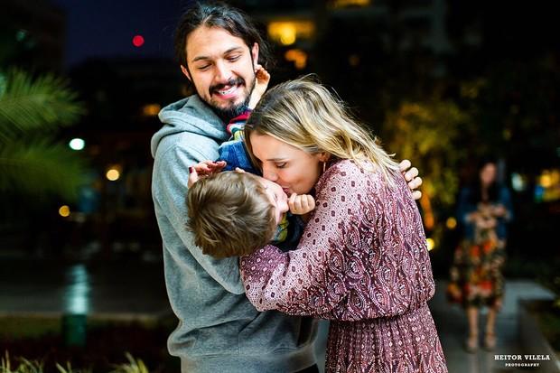 Rômulo Estrela e Nilma Quariguasi com o filho, Theo (Foto: Heitor Vilela)