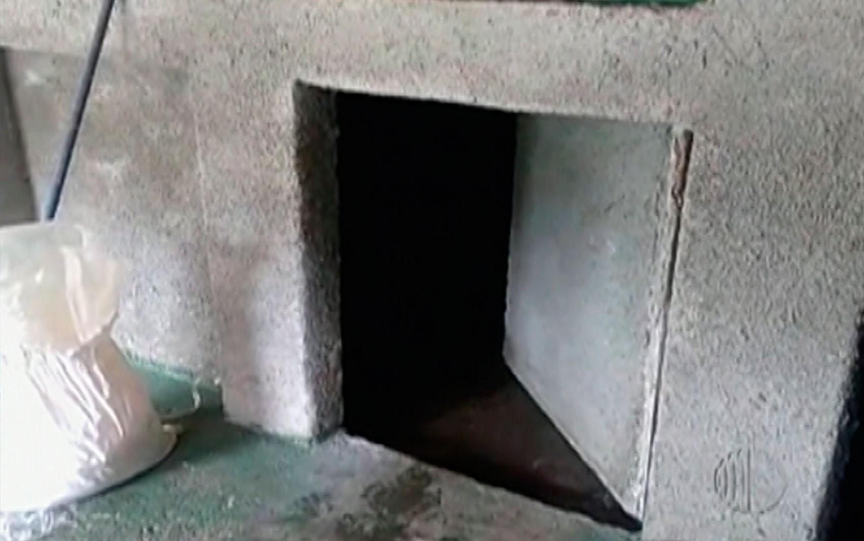 Chácara usada como refinaria de drogas em Santa Isabel tinha parede falsa com abertura eletrônica; assista