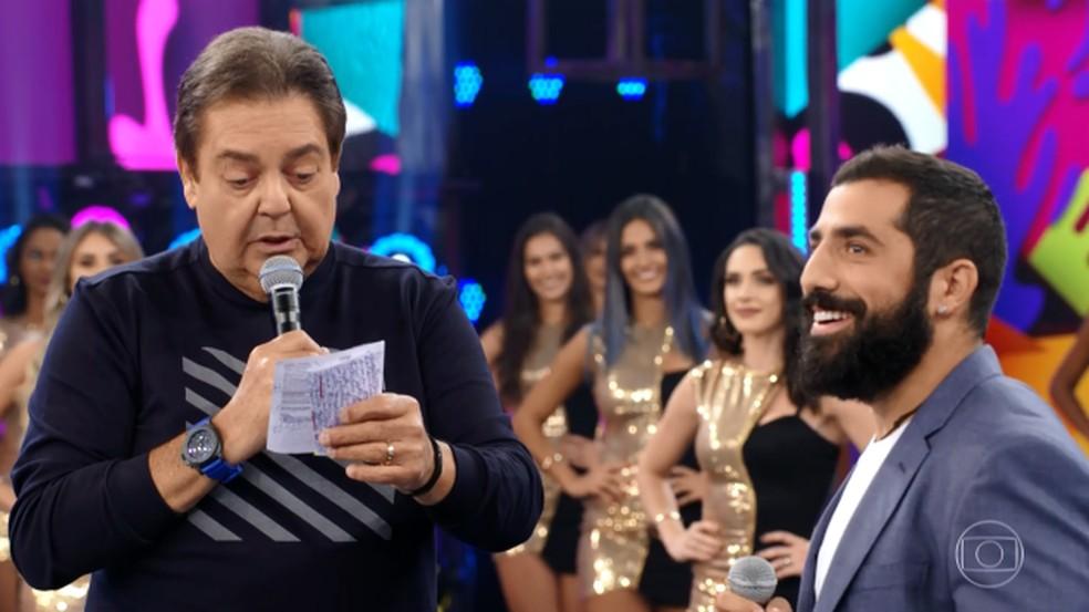 Faustão relembra história do sírio no palco do 'Domingão' — Foto: Reprodução/TV Globo