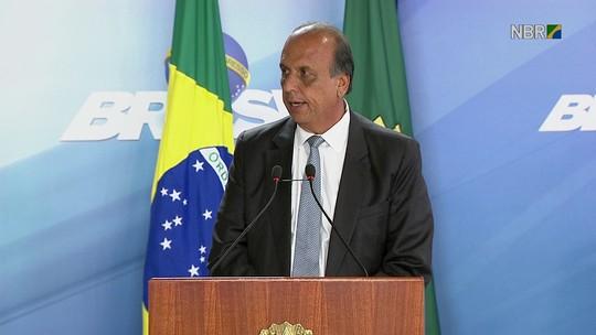 Pezão diz que Rio, sozinho, não consegue deter guerra de facções