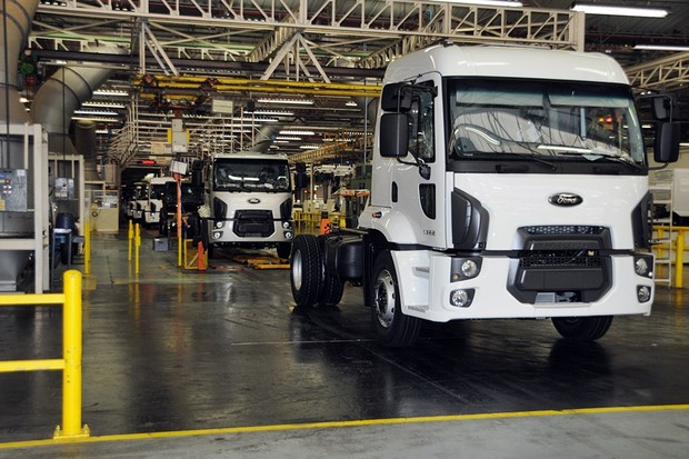 A Ford Cargo 1722 rolls off the line at the Ford Trucks plant in São Bernardo do Campo, Brazil. Um caminhão Cargo 1722 sai da fábrica de caminhões da Ford em São Bernardo do Campo, Brasil.  (Foto: Divulgação)